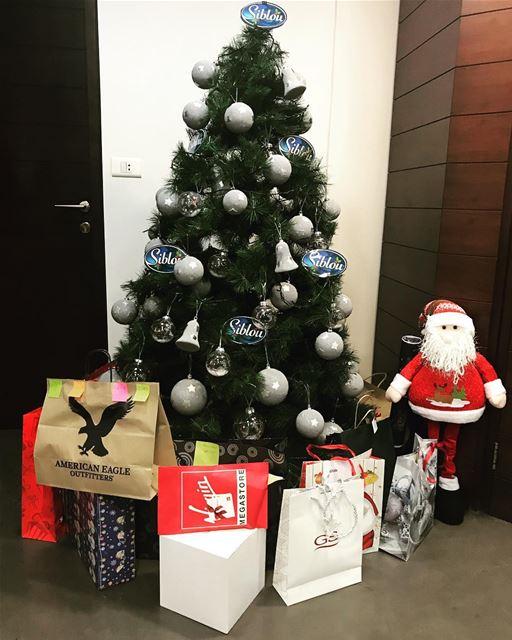 lebanon beirut christmas christmastree siblou siblouseafood cfood santa... (Beirut, Lebanon)