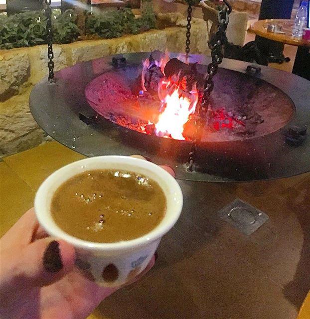بعض الأصدقاء يشبهون القهوة في قدرتهم على تعديل المزاج..هؤلاء من أحتاجهم ب (Cafe Em Nazih)