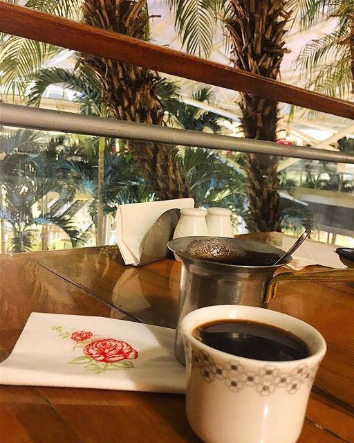 that how i feed my soul and brain.... turkishcoffee kahvekeyfi ... (Leila Min Lebnen)