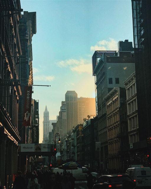 Afternoon hues in SoHo 🌆😍 NYC NewYorkCity NewYork SoHo love rumi ... (SoHo, Manhattan)