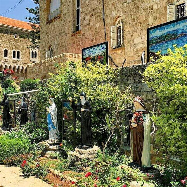 Blessed Friday everyone 🙏💚.... byblos streetshrine byblosiloveyou... (Byblos, Lebanon)
