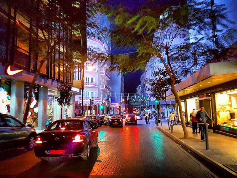 Hamra  cruising  citylife  nightlife  streetlife  urban  nights  landscape... (Beirut, Lebanon)