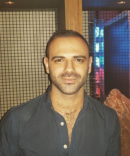 Friday night 🍺 Dubai UAE indiedubai travel club beard beardedmen... (Indie DIFC)