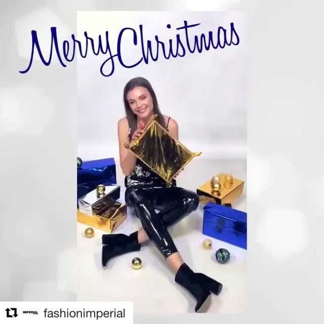 Merry Christmas everyone! 🎄🎅🏼DailySketchLook 195 shopping italian ... (Er Râbié, Mont-Liban, Lebanon)