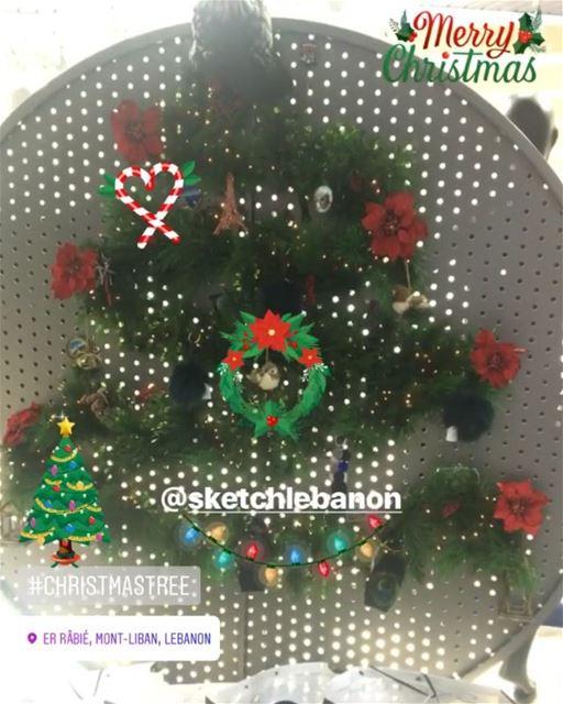 Merry Christmas from @sketchlebanon 🤶🏻🎄DailySketchLook 194 shopping ... (Er Râbié, Mont-Liban, Lebanon)