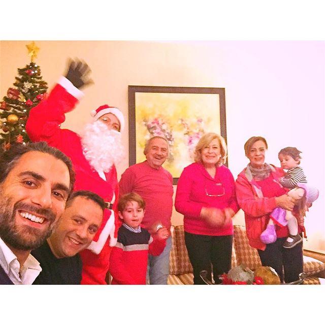 Look who's here! ..... christmastree christmasdinner family love ...