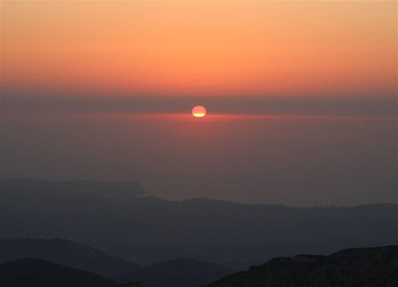 From 1700m height! sunset_ig sunsetlove sunset livelovelebanon ... (Ehden, Lebanon)