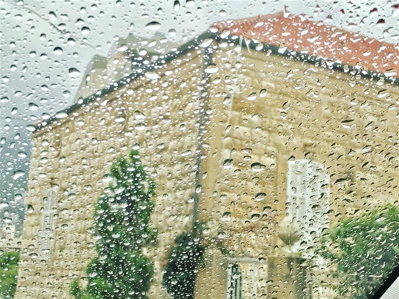 Some people walk in the rain ,others just get wet .💧💦 goodmorning ... (جونية - Jounieh)