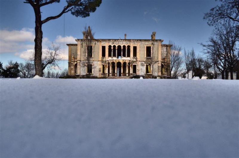 Greatness lives on the edge of destruction❄️ (Sawfar, Mont-Liban, Lebanon)