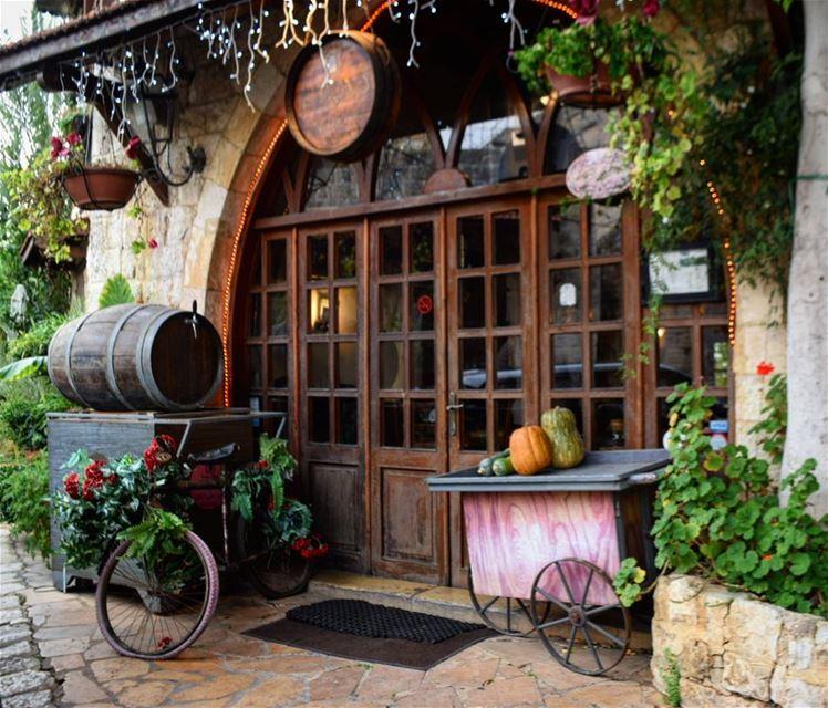 christmas morning lights bicycle taverne livelovelebanon ... (Zouk Mikael)