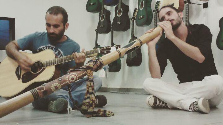 livelovelebanon talentedmusicians highonguitar mozartchahine jamming ...