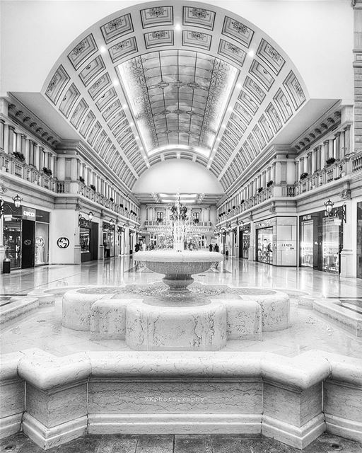 coffee time ☕ * bnw  bnw_captures  bnw_planet  bw  bw_photooftheday ... (Villaggio Mall | فيلاجيو مول)