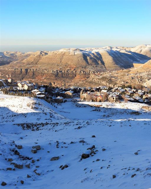 Serious hiking in the snow to work off all the food I ate this weekend ❄️ (Mzaar Kfardebian)