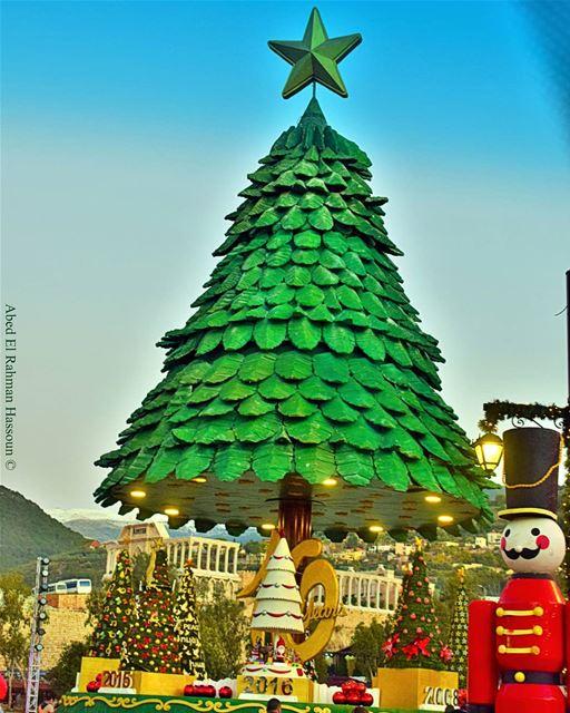 Bnachii's Christmas tree🌲🎉🌲 Zgharta Bnachii LiveLoveZgharta ... (Zgharta)