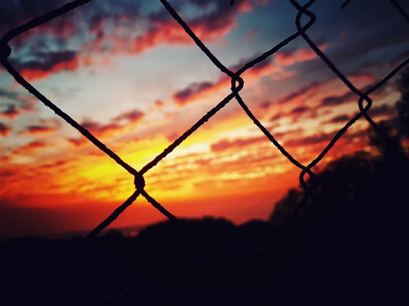 Behind the  wires 🌅 ig_sunsetshots ....... randomlycaptured... (Ajaltoun, Mont-Liban, Lebanon)