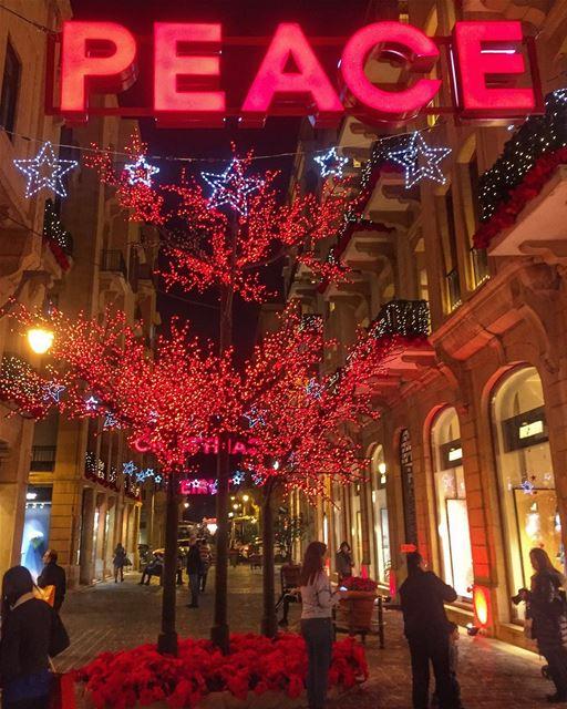 PEACE🎈🎈.. peace love hope beirut lebanon lebanon_ig beiruting ... (Beirut, Lebanon)