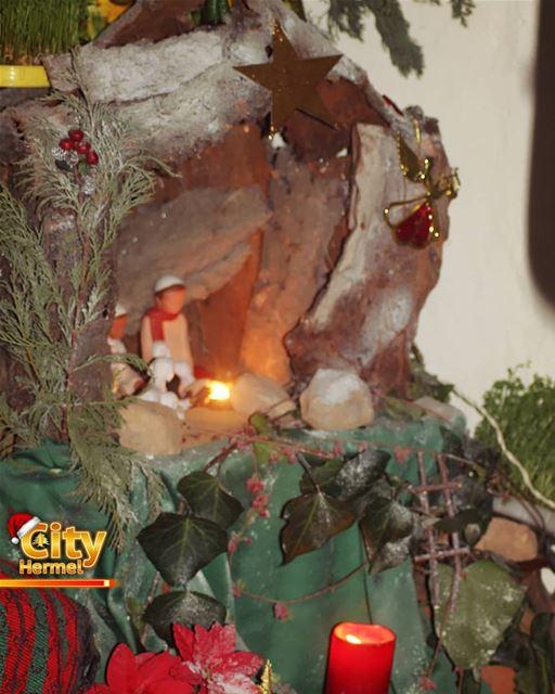 المغارة الميلادية من داخل دير راهبات يسوع الصغيرات في الهرمل hermel ... (El Hermel, Béqaa, Lebanon)
