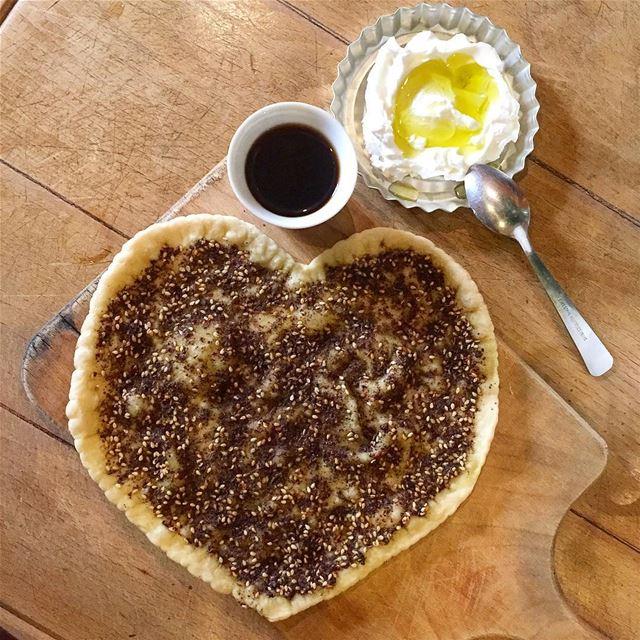 Lovely morning 😍 When my kids bake me a man2ouche ❤️::::::::::::::::::::: (Jamhoûr, Mont-Liban, Lebanon)