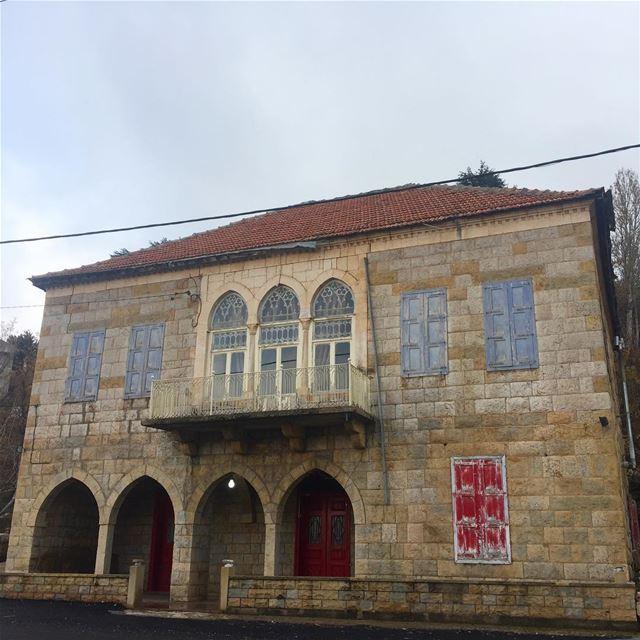 lebanon oldlebanon oldlebanesehouses livelovelebanon architecture ...