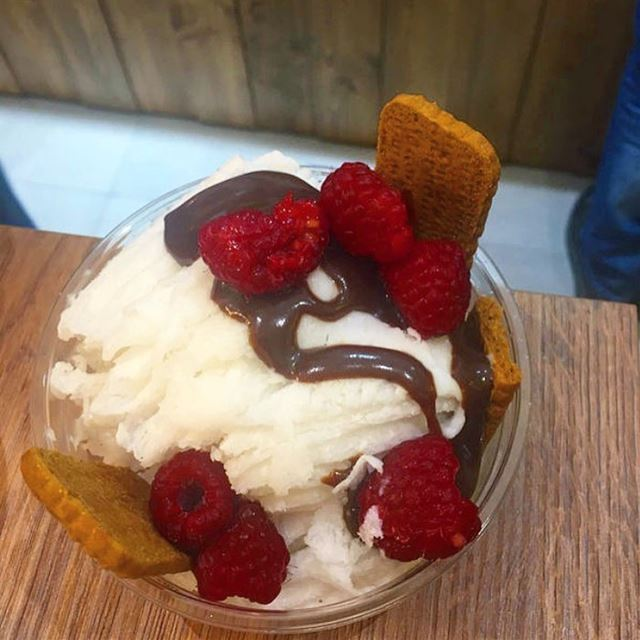 It's never too cold for ice cream 🤤. - pokebeirut food eat yummy ... (Beirut, Lebanon)