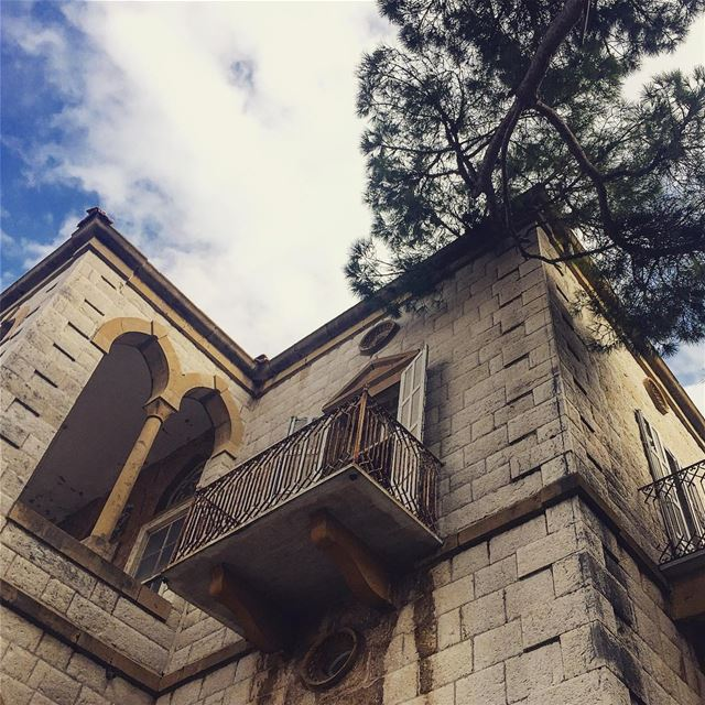 oneday dreamhouse traditional vernacular levantine architecture ... (Beit Meri, Mont-Liban, Lebanon)