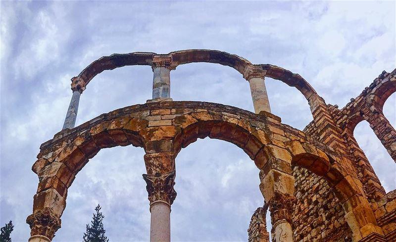 Ruins at Anjar lebanon 🇱🇧 traveling 🏕 wein_maher 🤷🏻♂️......... (`Anjar, Béqaa, Lebanon)