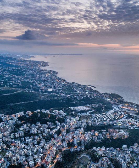 Stormy Evening 🌫️🌩️... lebanon byblos blat dji drones ... (Blat, Mont-Liban, Lebanon)