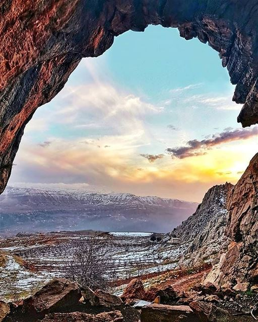 Welcome, to the Cave of Wonders...💙・・・Credits to @framewithaview・・・...