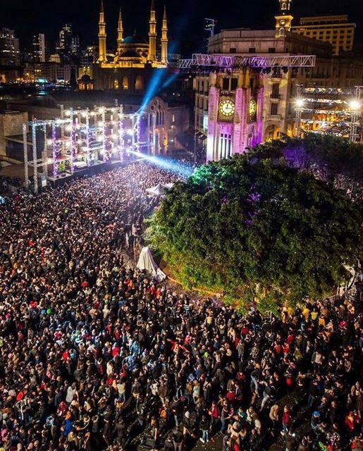 نوّرت بيروت!من احتفال رأس السنة في ساحة النجمة، وسط بيروت.(بعدسة نبيل اس (Downtown Beirut)