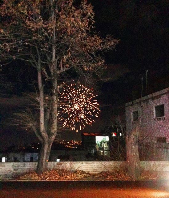 livelovelebanon aley fireworks photography... (Aley District)