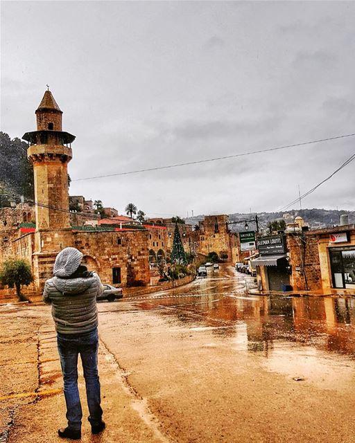 Standing under the rain to capture the beauty of deiralqamar 🌧 ....... (Deïr El Qamar, Mont-Liban, Lebanon)