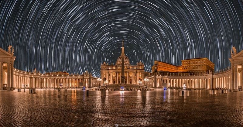 One of my rare night shots taken at saint Peter square in Vatican city. A... (Saint Peters Square and the Vatican.)