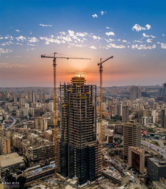 Chase The Sunset 🏗️🌇By @rami_rizk89 Beirut Liban Libano Lebanon... (Beirut, Lebanon)