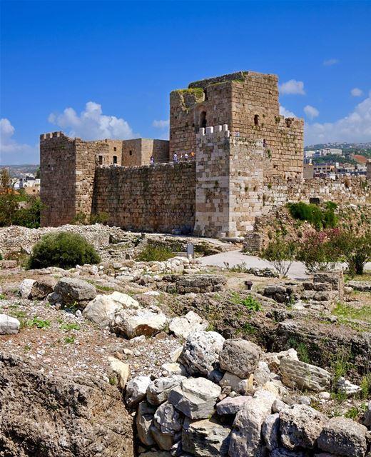 Ruínas do Castelo das Cruzadas construído no século 12. Uma das provas... (Byblos, Lebanon)