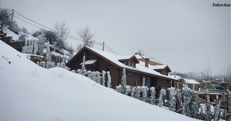 lebanon saturday snowlife house master_shots splendid_shotz bnw_life ... (Faqra scenes)