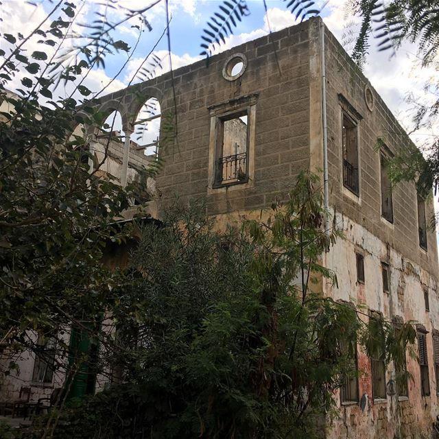 Abandoned House abandonedplaces abandonedhouses abandoned ... (Al Sit Nafissa Saida)