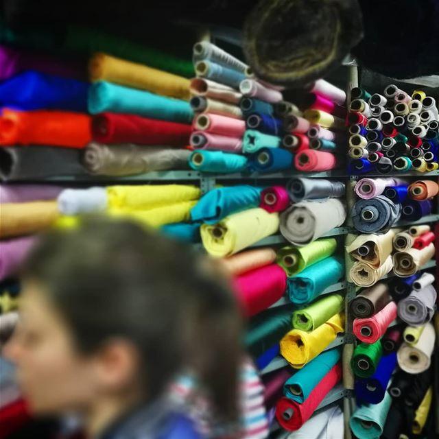 Colores de la vida de la diseñadora de moda - ichalhoub in Beirut ...