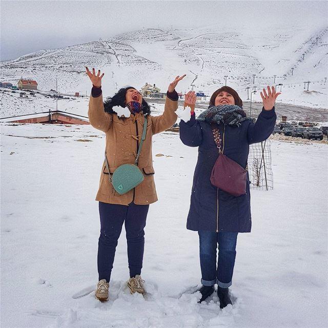 You are never too old to be playful and happy ☃️ Ливанец и беременная после (Faraya, Mont-Liban, Lebanon)