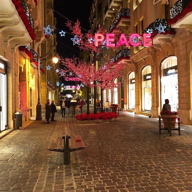 Просто Бейрут... Швейцария востока как его раньше звали! бейрут рождество (Beirut, Lebanon)