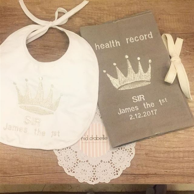 A Prince is born 💫 New born set gift ideas! Write it on fabric by nid d'ab