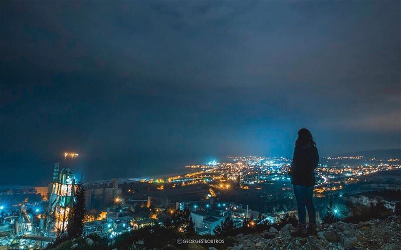 You turn my darkness into light💡👀 mafikahraba 📸: @freakgmb lebanon ... (Chekka)