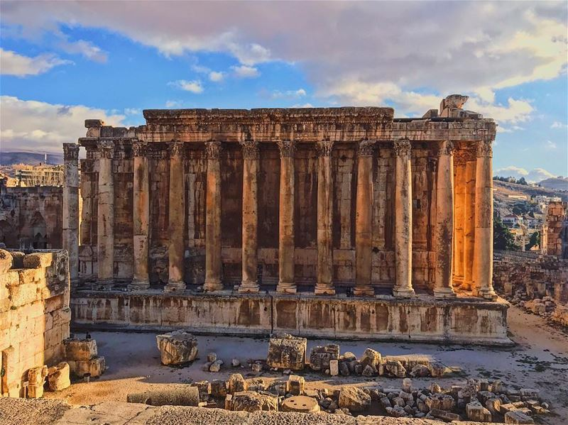 Wine Temple 🍇 baalbeck lebanon 🇱🇧 traveling 🏕 wein_maher 🤷🏻♂️.... (Temple of Bacchus)