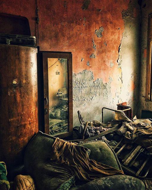 Tfadalo 3al Ouda! beirut lebanon abandoned abandonedplaces........ (Mount Lebanon Governorate)