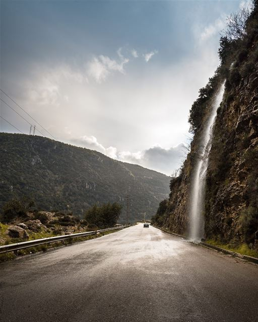 Take time to look for the silver lining...... livelovebeirut... (Bekfeya, Mont-Liban, Lebanon)