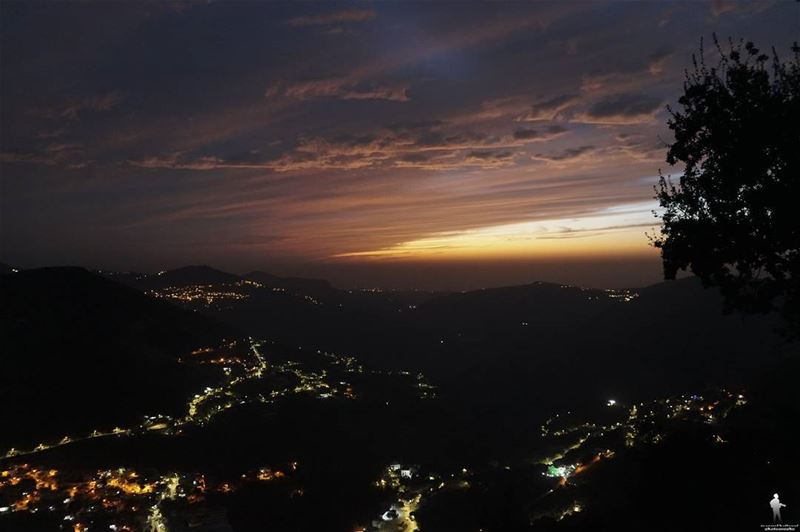 Silence isn't empty, is full of answers... landscape chouf night ...