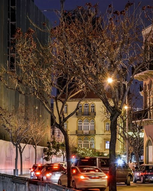 Good evening 🌃🚗🚕🚘 streetphotography nightphotography streetlights ... (Beirut, Lebanon)