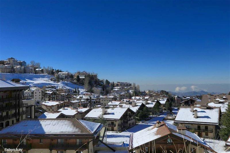 morning lebanon lebanonspotlights lebanonhouses skylovers snow... (Mzaar Kfardebian)