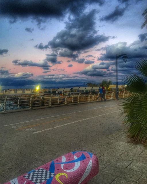 💖.. picoftheday photooftheday pink mood beirut lebanon clouds art... (Beirut, Lebanon)
