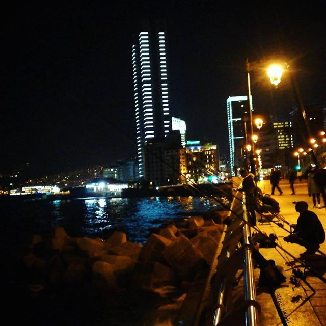 ⁋من قلبي سلامٌ لبيروت.. 🌆 Hseiki lebanon beirut night ... (Al Manara Stadium)