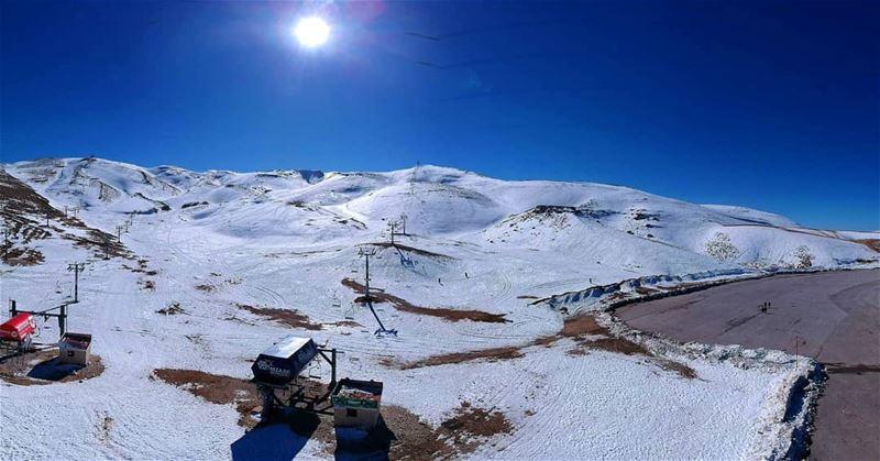 takenbywissamalhoury flybywissamalhoury dronestagram drone panoramic view... (Mzaar Kfardebian)